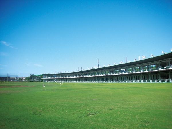 湘南の練習場「七里ガ浜ゴルフ場」