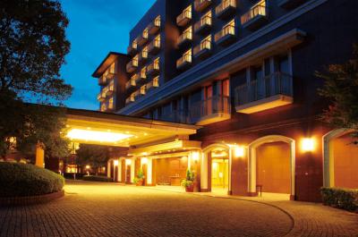 2ホテル外観|夜