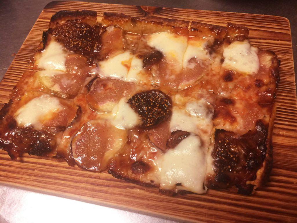 フレッシュイチジクのピザ・蜂蜜風味