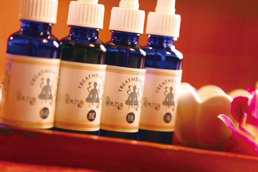 自律神経のバランスを整えるラベンダーオイル、気持ちを新たにする、華やかな香りのネロリオイル