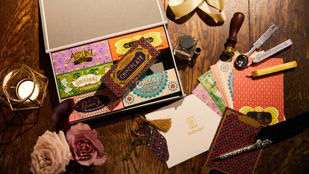 かをりが展開する「時空を結ぶホテル」がテーマの洋菓子ブランド「Huffnagel(フフナーゲル)」。ギフトBOX