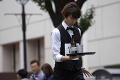 waiter-20190609-10