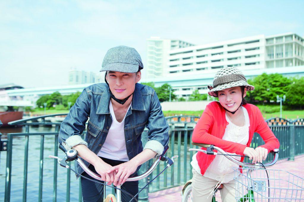 帽子のデザイン性とヘルメットの安全性がひとつになったカポル