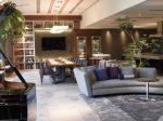 グランドピアノとイタリア家具の置かれた上質な空間