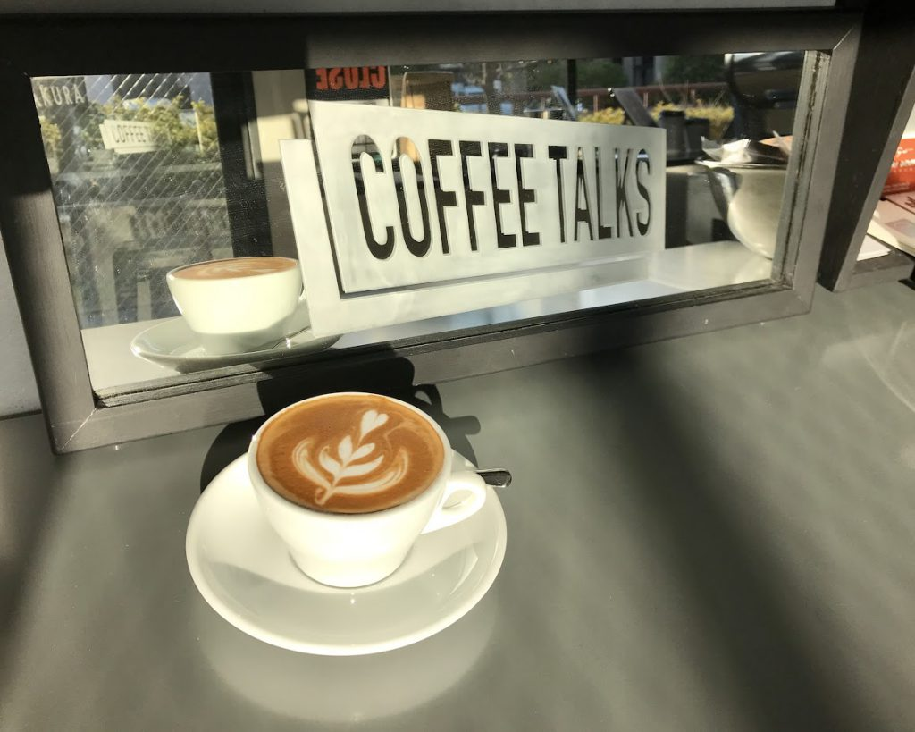 コーヒートークス カマクラのカフェラテ