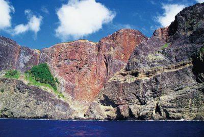 赤色の断崖絶壁「ハートロック」