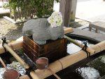 白旗神社 手水舎の「花手水」にあじさいが飾られており、なんとも風雅。
