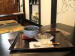 小町通りから一本入った路地裏の奥にあるお茶専門店、鎌倉茶房「茶凛」